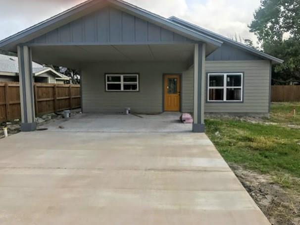 118 W James Street, Rockport, TX 78382 (MLS #316936) :: Better Homes and Gardens Real Estate Bradfield Properties