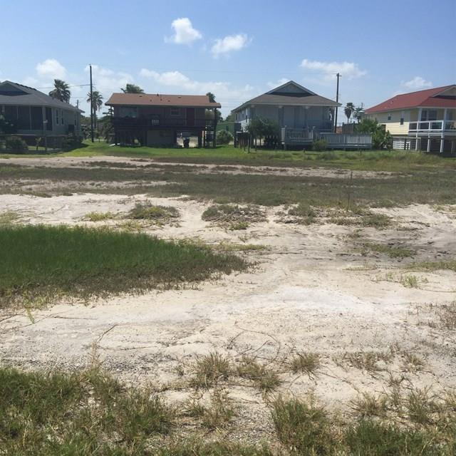 911 S Magnolia St, Rockport, TX 78382 (MLS #318015) :: Better Homes and Gardens Real Estate Bradfield Properties