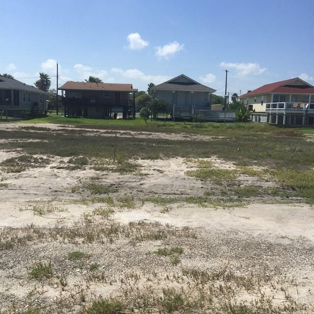 915 S Magnolia St, Rockport, TX 78382 (MLS #318093) :: Better Homes and Gardens Real Estate Bradfield Properties