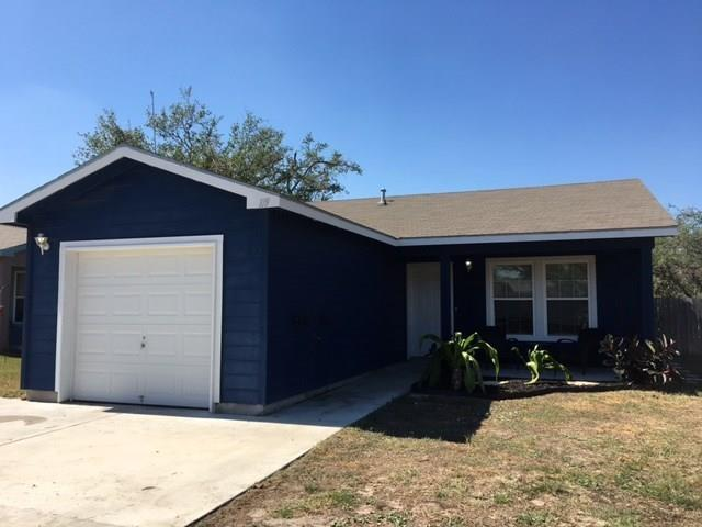 119 Captains Bay Dr, Rockport, TX 78382 (MLS #319899) :: Better Homes and Gardens Real Estate Bradfield Properties