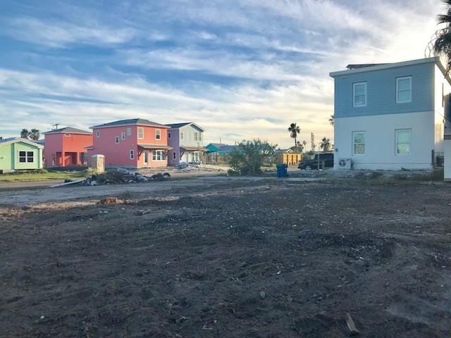 304 Tenth St. @ Avenue  C, Port Aransas, TX 78373 (MLS #321062) :: Better Homes and Gardens Real Estate Bradfield Properties