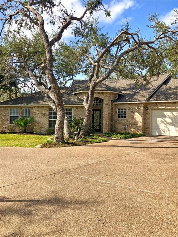 210 Doral Lane, Rockport, TX 78382 (MLS #326066) :: Better Homes and Gardens Real Estate Bradfield Properties
