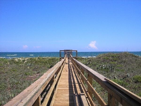 4 Mustang Island Estates Dr, Port Aransas, TX 78373 (MLS #326461) :: Better Homes and Gardens Real Estate Bradfield Properties