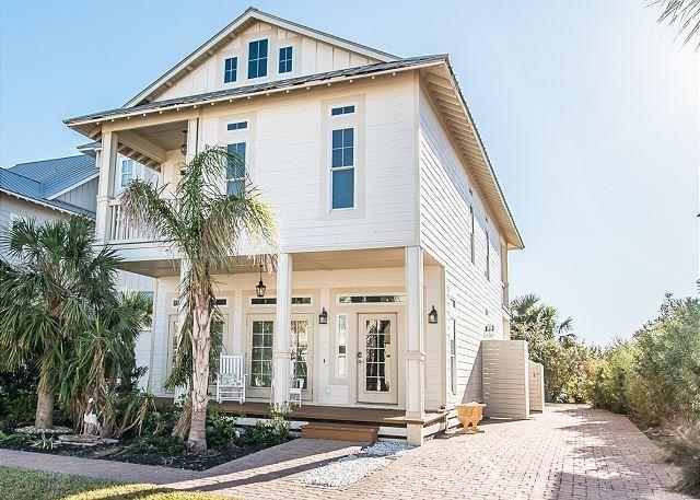 146 Bent Grass Dr, Port Aransas, TX 78373 (MLS #329311) :: Better Homes and Gardens Real Estate Bradfield Properties