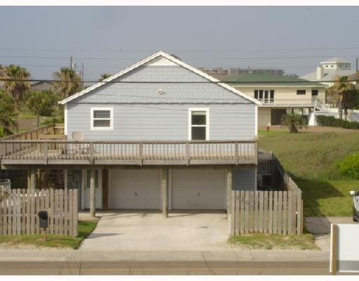 816 E Avenue G, Port Aransas, TX 78373 (MLS #330869) :: Desi Laurel & Associates