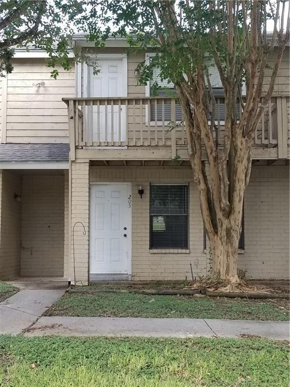 4401 River Valley Dr #205, Corpus Christi, TX 78410 (MLS #332567) :: Desi Laurel & Associates