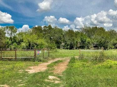 101 Kerry Dr, George West, TX 78022 (MLS #333897) :: Better Homes and Gardens Real Estate Bradfield Properties