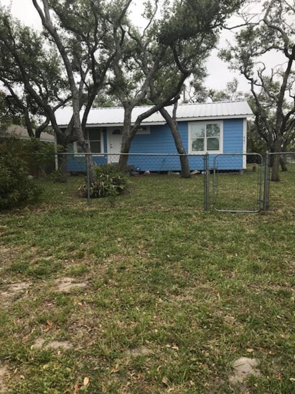 561 S 12th St, Aransas Pass, TX 78336 (MLS #334775) :: Better Homes and Gardens Real Estate Bradfield Properties