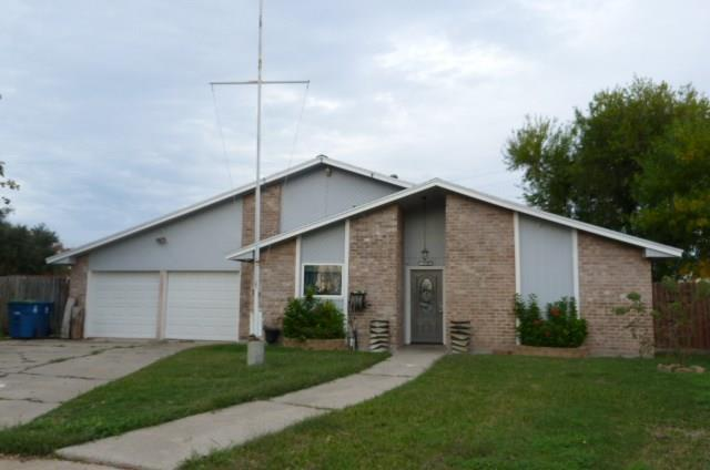 1906 W Dolphin Dr, Portland, TX 78374 (MLS #337878) :: Better Homes and Gardens Real Estate Bradfield Properties