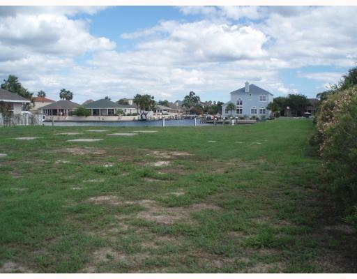 601 Porpoise Dr, Aransas Pass, TX 78336 (MLS #339050) :: Better Homes and Gardens Real Estate Bradfield Properties