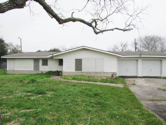 9445 Morrow Dr, Corpus Christi, TX 78410 (MLS #339172) :: Desi Laurel Real Estate Group