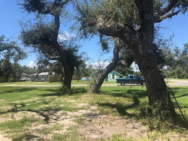 107 W Bay St, Rockport, TX 78382 (MLS #340168) :: Desi Laurel Real Estate Group