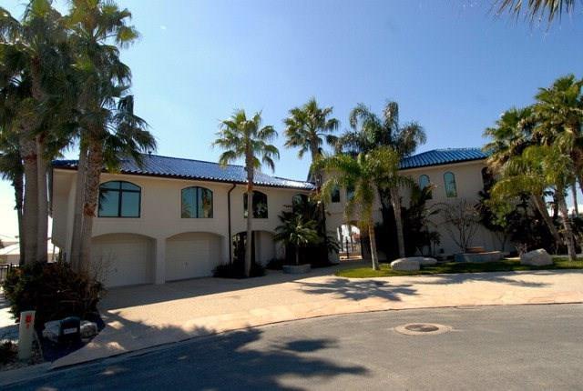 22 Albatross Rd, Rockport, TX 78382 (MLS #340256) :: Desi Laurel Real Estate Group