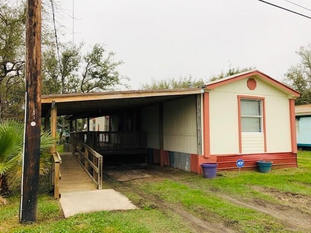 1216 N Racine St, Rockport, TX 78382 (MLS #340378) :: Desi Laurel Real Estate Group