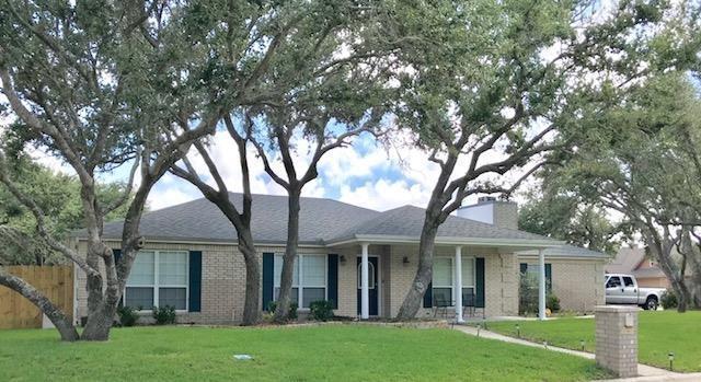 402 Augusta Dr., Rockport, TX 78382 (MLS #340513) :: Desi Laurel Real Estate Group