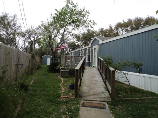 915 Fort Worth St, Rockport, TX 78382 (MLS #341323) :: Desi Laurel Real Estate Group