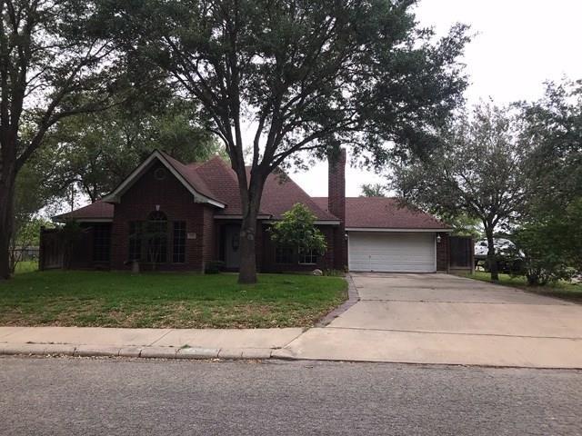 1121 Madison St, Alice, TX 78332 (MLS #342992) :: Desi Laurel & Associates