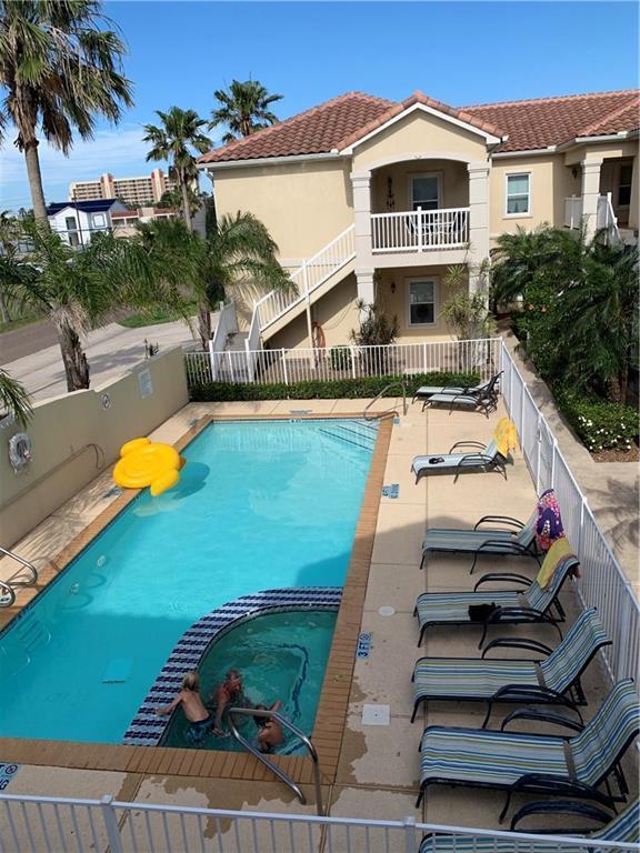 109 W Cora Lee, South Padre Island, TX 78597 (MLS #343173) :: Desi Laurel Real Estate Group