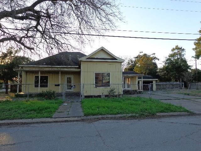 331 S 9th St, Kingsville, TX 78363 (MLS #343590) :: Desi Laurel Real Estate Group