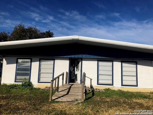 104 W Meyer St, Falls City, TX 78113 (MLS #344311) :: RE/MAX Elite Corpus Christi