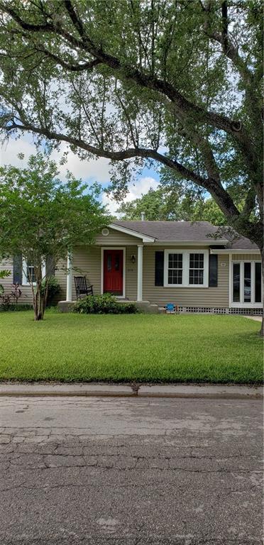 210 W Avenue D, Robstown, TX 78380 (MLS #345089) :: Desi Laurel Real Estate Group