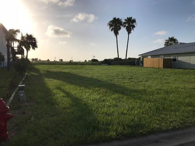 128 Sea Mist Dr, Aransas Pass, TX 78336 (MLS #345178) :: Desi Laurel Real Estate Group