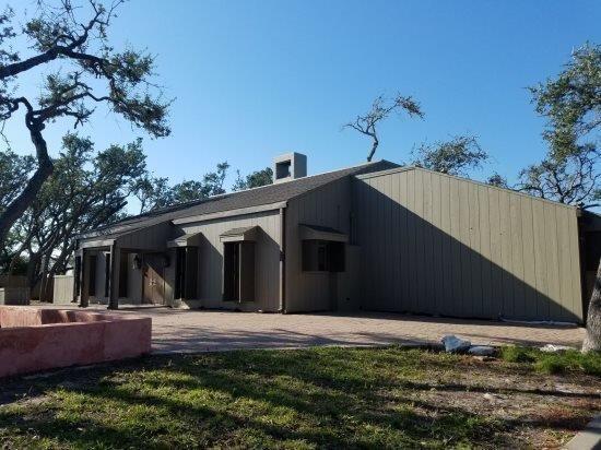 2007 Crescent, Rockport, TX 78382 (MLS #346674) :: Desi Laurel Real Estate Group