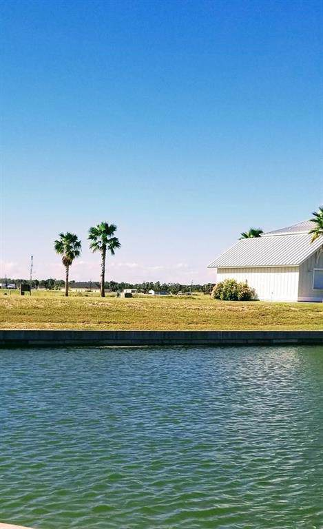 1005 Fiji Drive, Rockport, TX 78382 (MLS #350567) :: Desi Laurel Real Estate Group