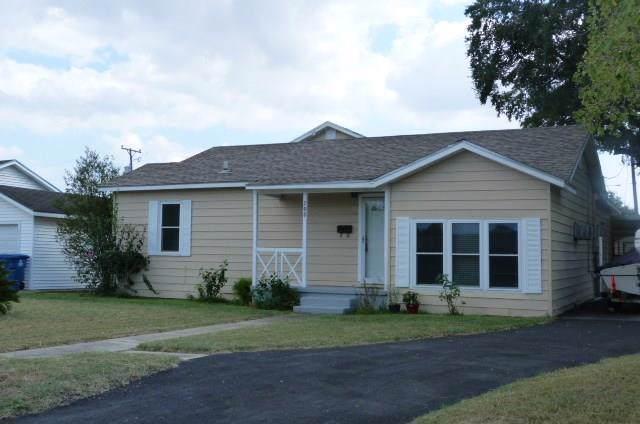 700 E Lewis St, Sinton, TX 78387 (MLS #350804) :: Desi Laurel Real Estate Group