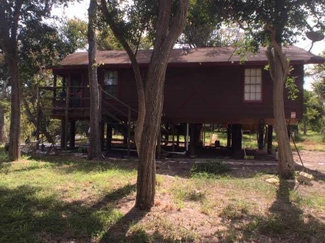 104 Mark, Woodsboro, TX 78393 (MLS #351037) :: Desi Laurel Real Estate Group