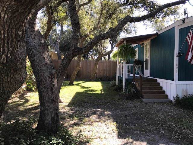 1620 Sammy Henderson St, Rockport, TX 78382 (MLS #353165) :: Desi Laurel Real Estate Group