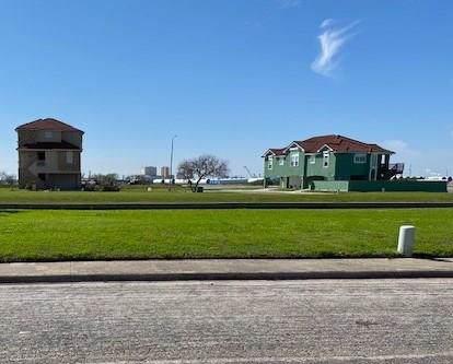 729 Snug Harbor, Corpus Christi, TX 78402 (MLS #355213) :: RE/MAX Elite Corpus Christi