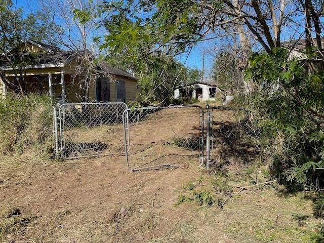 715 W Avenue B, Robstown, TX 78380 (MLS #355231) :: Desi Laurel Real Estate Group