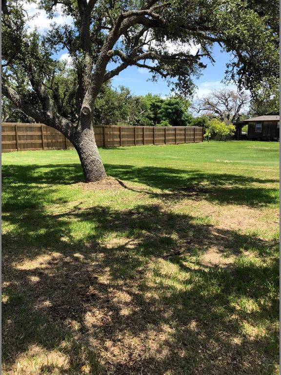 108 W Sixth Street, Rockport, TX 78382 (MLS #355370) :: Desi Laurel Real Estate Group