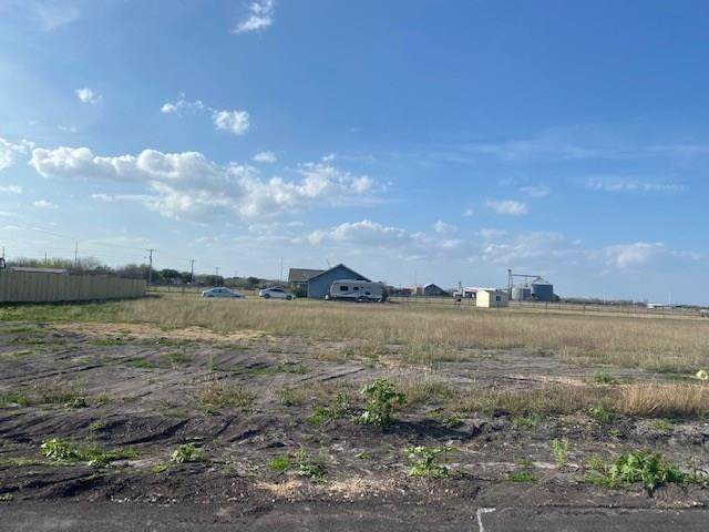 104 Atkinson, Orange Grove, TX 78372 (MLS #357530) :: Desi Laurel Real Estate Group