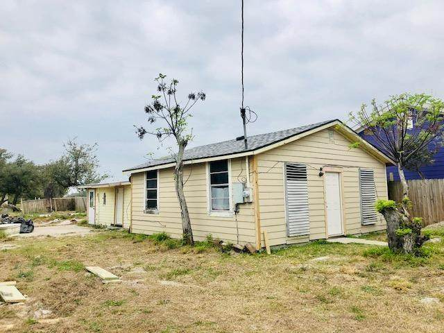 513 W Market Street W, Rockport, TX 78382 (MLS #357953) :: Desi Laurel Real Estate Group