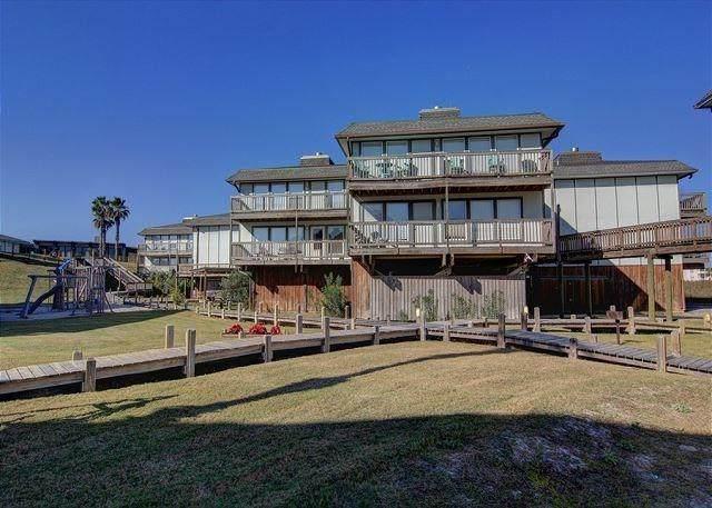 1319 S 11th Street #304, Port Aransas, TX 78373 (MLS #358931) :: Desi Laurel Real Estate Group