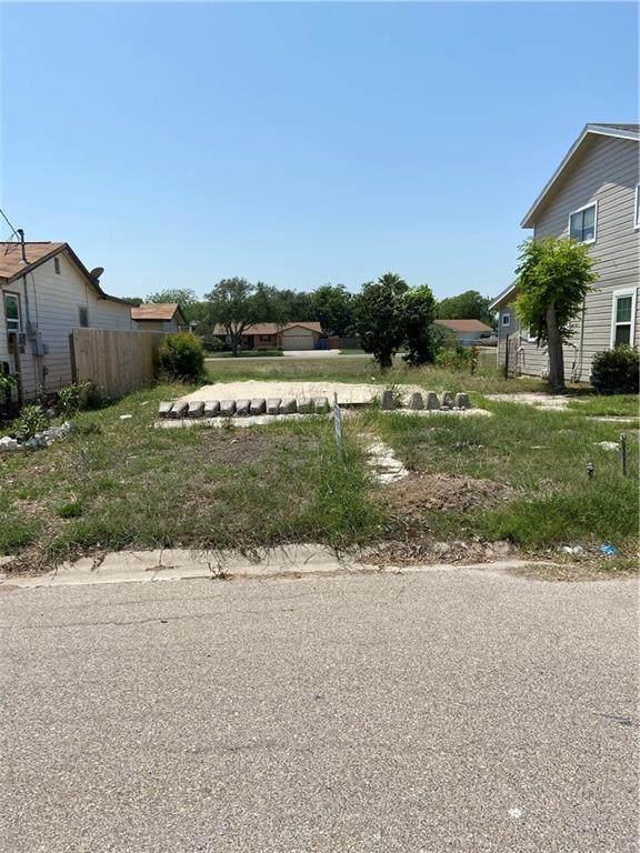 1145 Ochoa Street, Portland, TX 78374 (MLS #360920) :: Desi Laurel Real Estate Group