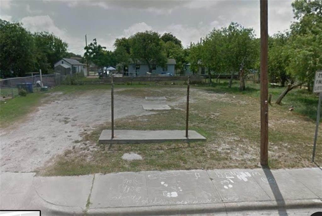 706,708 Francesca Street - Photo 1