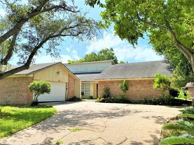 2213 Post Oak Drive, Portland, TX 78374 (MLS #366228) :: Desi Laurel Real Estate Group