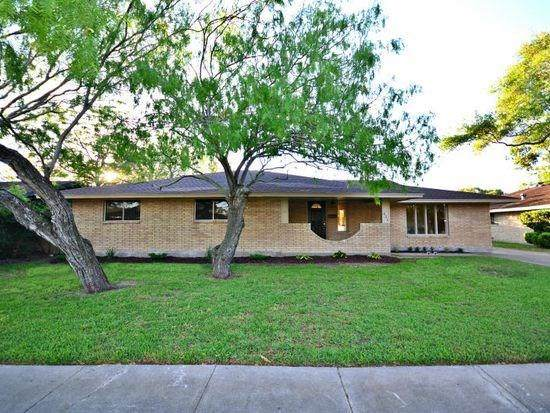 621 Meadowbrook Drive, Corpus Christi, TX 78412 (MLS #366267) :: Desi Laurel Real Estate Group