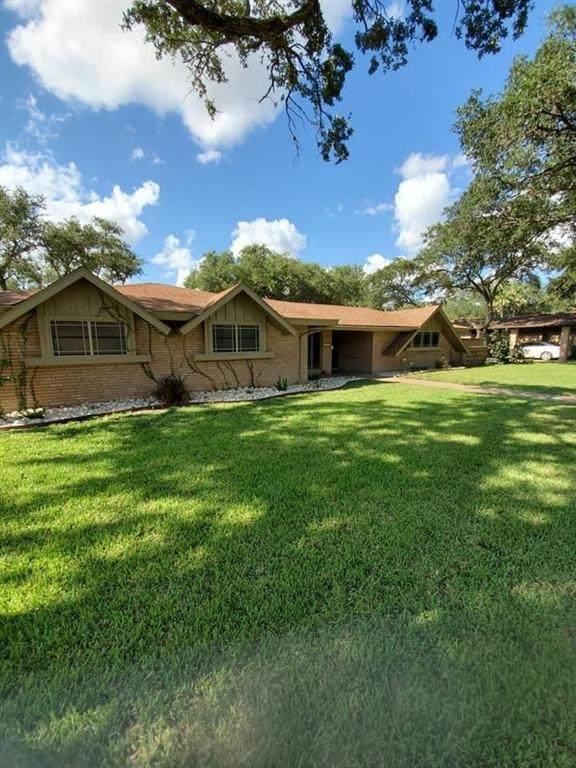 1801 Walker Drive, Alice, TX 78332 (MLS #367591) :: Desi Laurel Real Estate Group