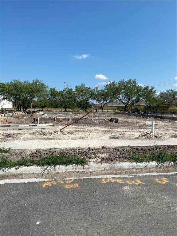 15230 Reales Drive, Corpus Christi, TX 78418 (MLS #370970) :: South Coast Real Estate, LLC