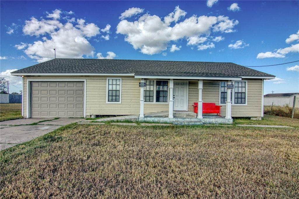 3374 County Road 22A - Photo 1