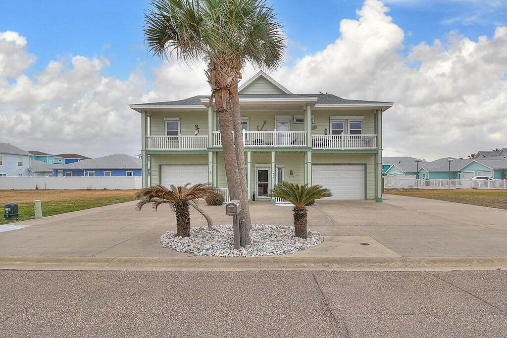 628 Oceanside Drive - Photo 1
