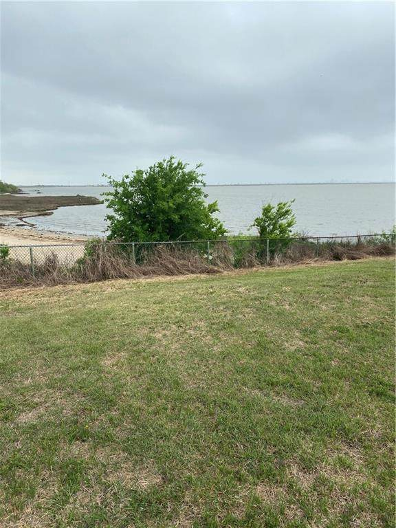 1014 Bluff Dr, Portland, TX 78374 (MLS #380792) :: RE/MAX Elite Corpus Christi