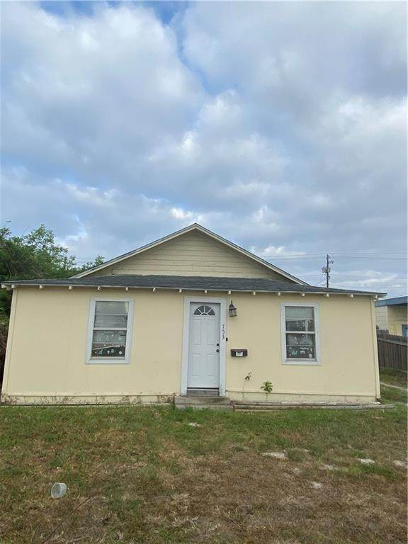 753 Houston Street, Portland, TX 78374 (MLS #381037) :: KM Premier Real Estate