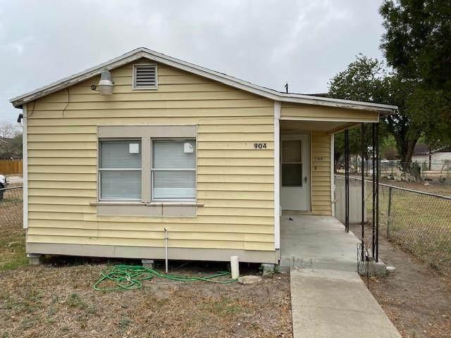904 E Henrietta Avenue, Kingsville, TX 78363 (MLS #381183) :: South Coast Real Estate, LLC