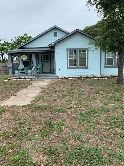 705 N Wood Street, Rockport, TX 78382 (MLS #381269) :: RE/MAX Elite | The KB Team