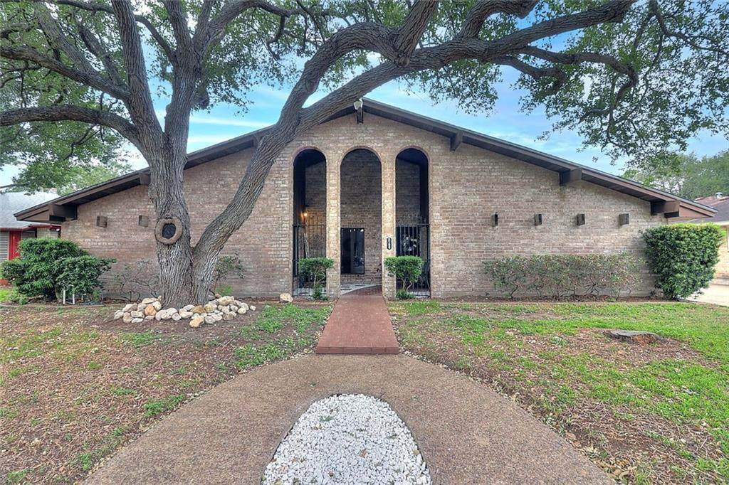 5109 Moultrie Drive - Photo 1